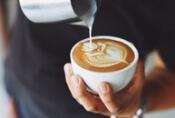 Koffie drinken tijdens eerste date populair